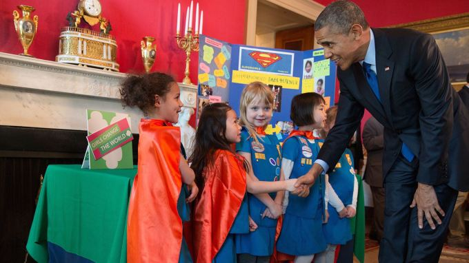 potus_meets_science_fair_supergirls